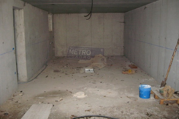 doppio garage - UNIFAM. AFFIANCATA PIOVENE ROCCHETTE (VI)