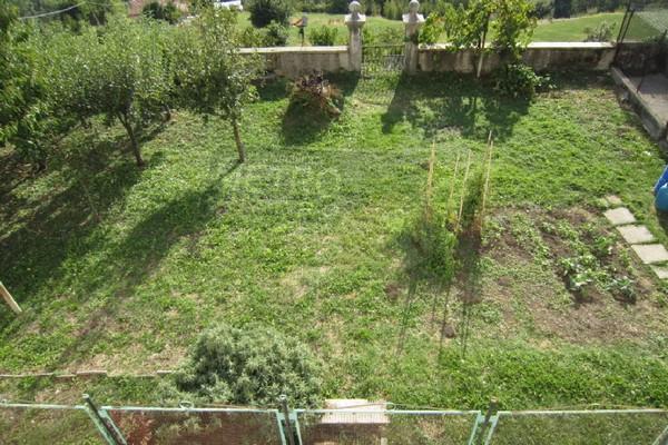 giardino di 300 mq - RUSTICO LUGO DI VICENZA (VI)