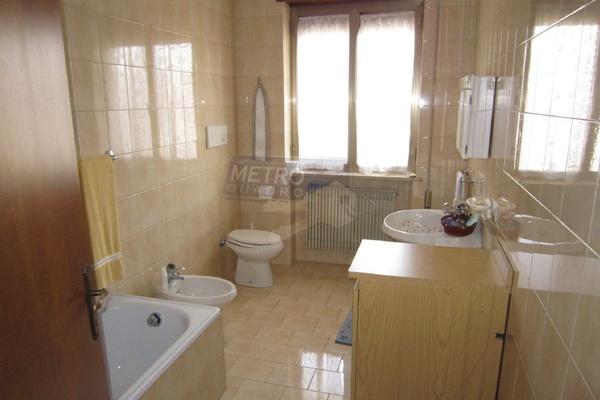 bagno con vasca - UNIFAM. AUTONOMA MONTECCHIO PRECALCINO (VI)