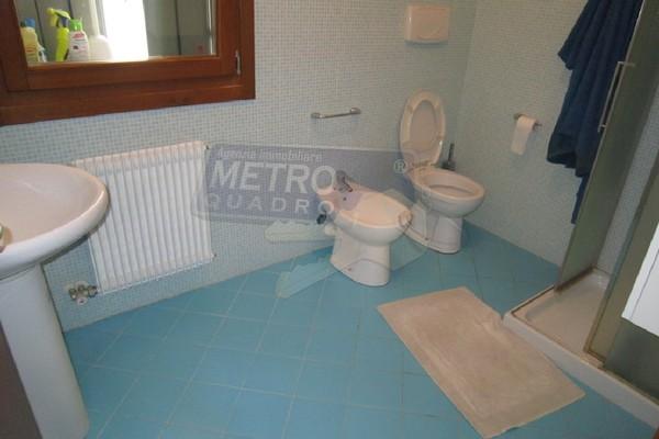 bagno con doccia - APPARTAMENTO MARANO VICENTINO (VI) CENTRO