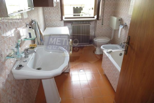 bagno con vasca - UNIFAM. AFFIANCATA SARCEDO (VI)
