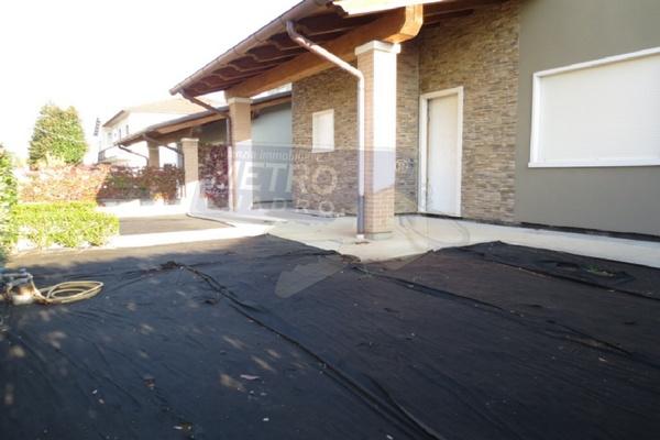 giardino fronte - UNIFAM. AFFIANCATA CARRè (VI)