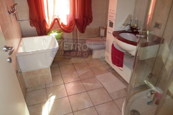 bagno con doccia - UNIFAM. AFFIANCATA VILLAVERLA (VI)