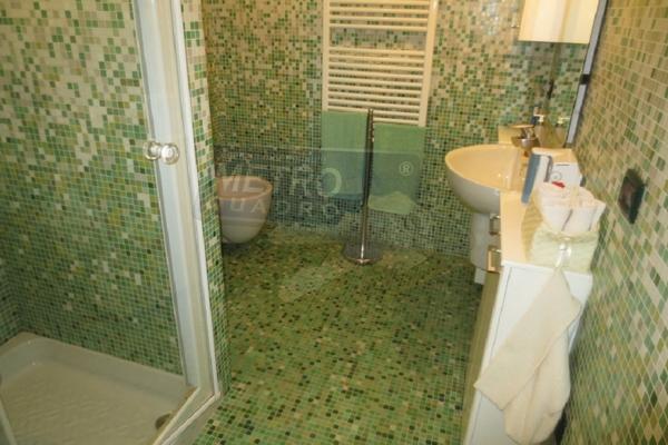 bagno con doccia - APPARTAMENTO PIOVENE ROCCHETTE (VI)
