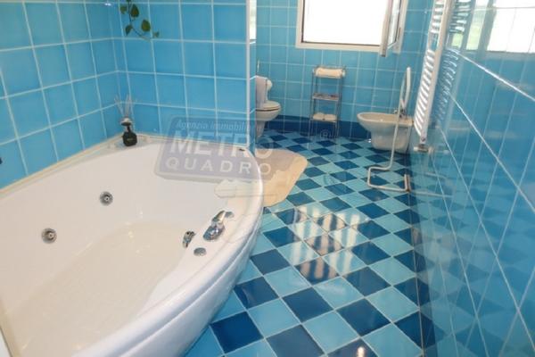 bagno con vasca idromassaggio - APPARTAMENTO PIOVENE ROCCHETTE (VI)