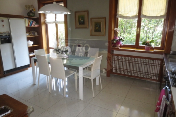 cucina abitabile - UNIFAM. AUTONOMA THIENE (VI) CENTRO