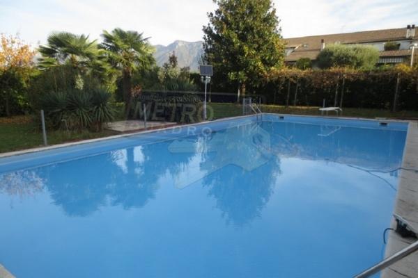 esterno con piscina - UNIFAM. AUTONOMA ZANè (VI) PERIFERIA