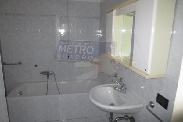 bagno con vasca e doccia - APPARTAMENTO COGOLLO DEL CENGIO (VI)