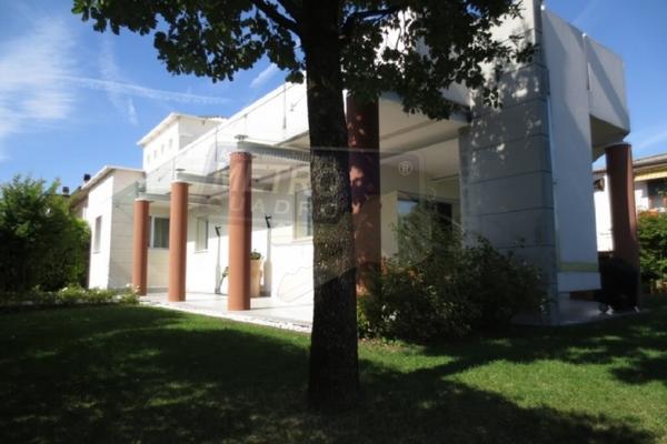 esterno 7 - UNIFAM. AUTONOMA THIENE (VI)