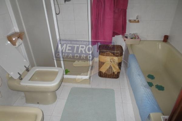 bagno con vasca e doccia - UNIFAM. A SCHIERA CENTRALE LUGO DI VICENZA (VI)