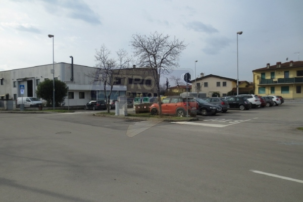 piazzale antistante - OPIFICIO VILLAVERLA (VI)